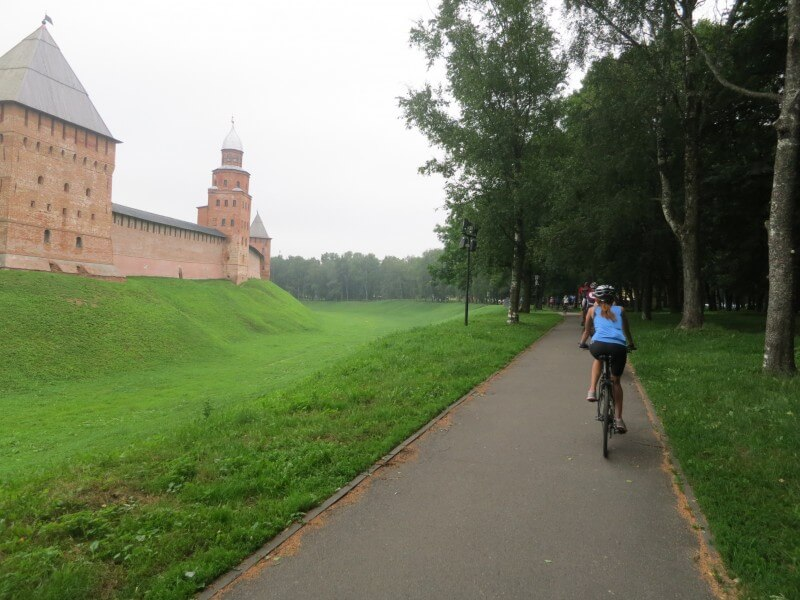 Moscow - St. Petersburg bicycle tour
