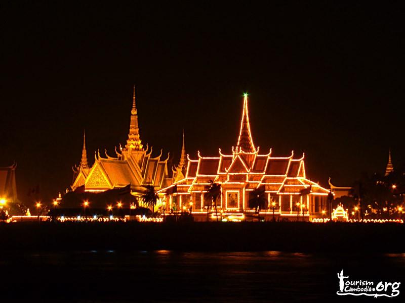 Explore PhnomPenh - SiemReap