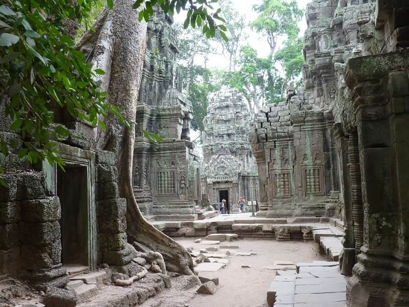 5 nights to Explore Cambodia, Phnom Penh overland to Siem Reap