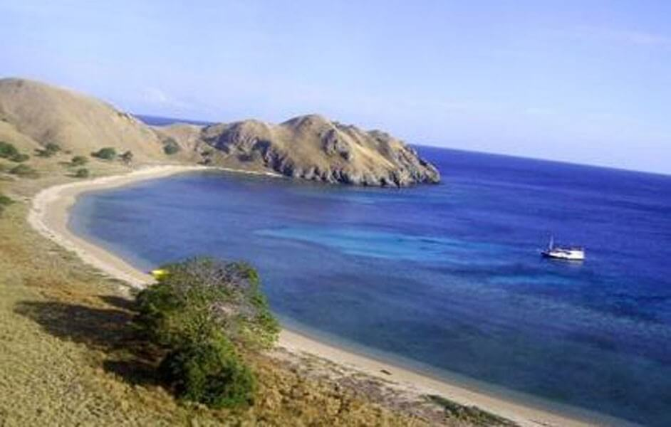6 Days Flores & Komodo Trails
