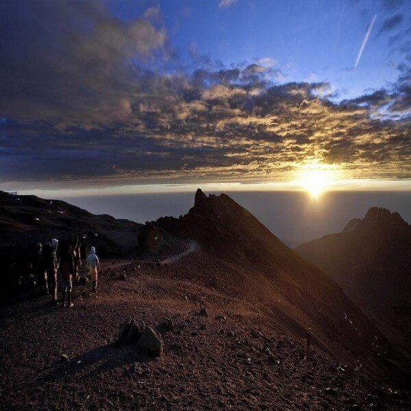 KIBO HUT (4700M) TO UHURU PE