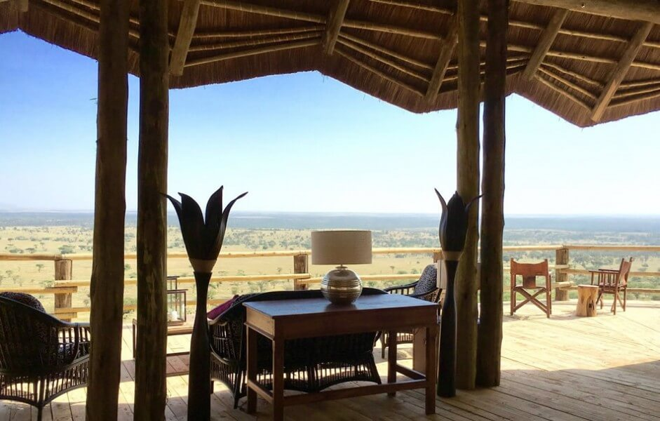 EXPERIENCE LUXURY CAMPING & LODGE SAFARIS