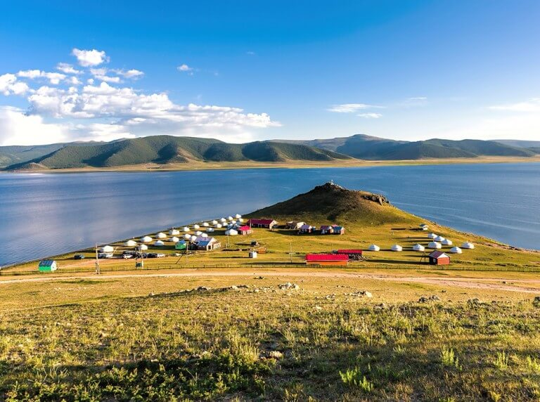 Contrasts of Mongolia