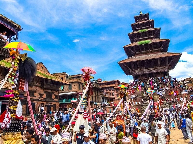 Arrive in Kathmandu (1300 m)
