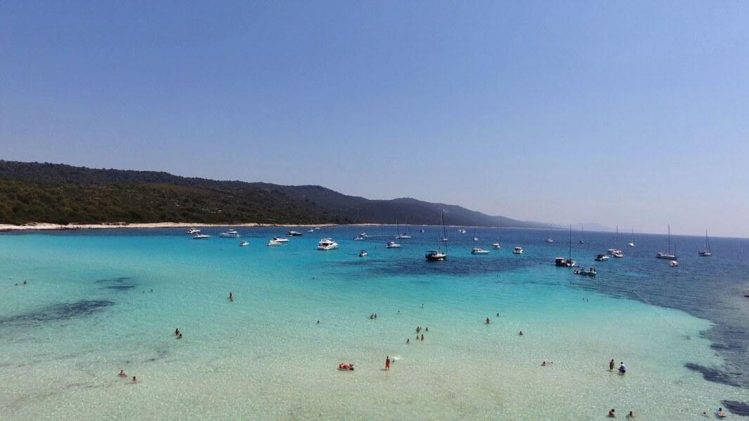Hidden beach Sakarun