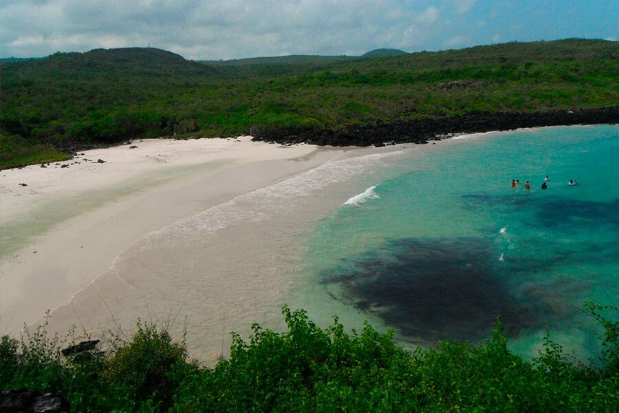 8 Days Galapagos Adventure Land Tour