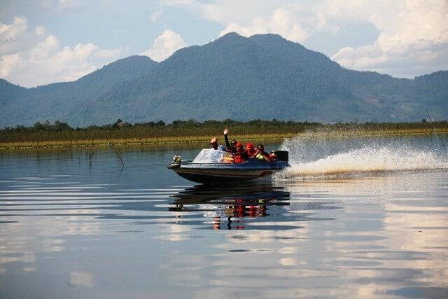 5 Days Sentarum Lake & Dayak Culture