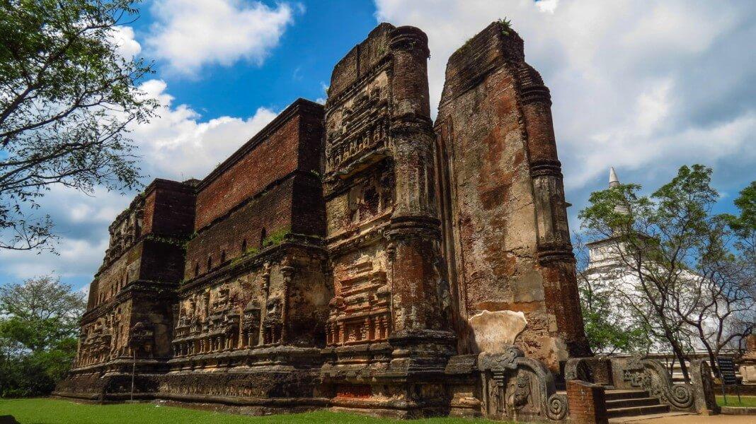 Sigiriya/Polonnaruwa/Minneri