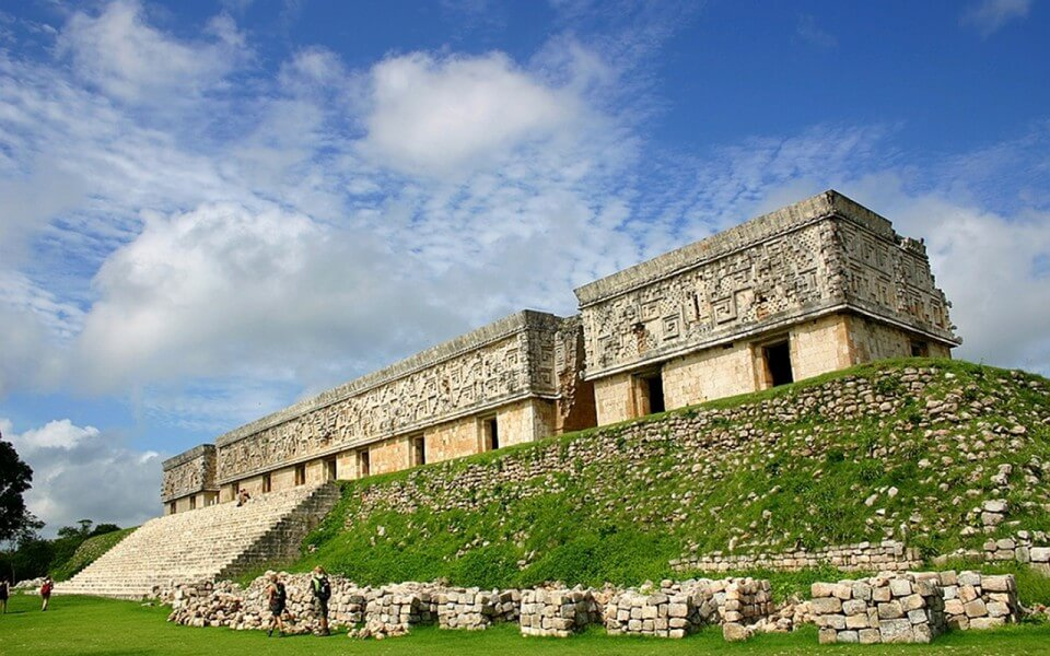 COLONIAL, ECOLOGICAL AND ARCHEOLOGICAL YUCATAN **FULL BOARD**