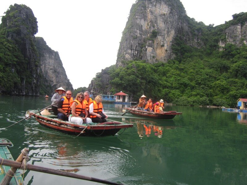 WONDERFUL VIETNAM AND CAMBODIA 20D