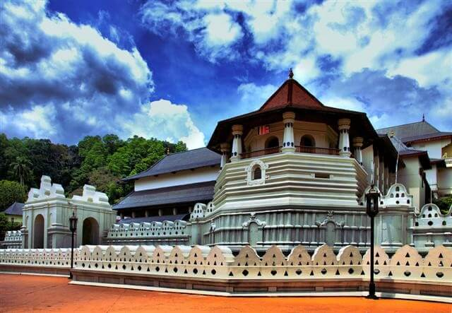 KANDY TEMPLE /CITY/DANCING S