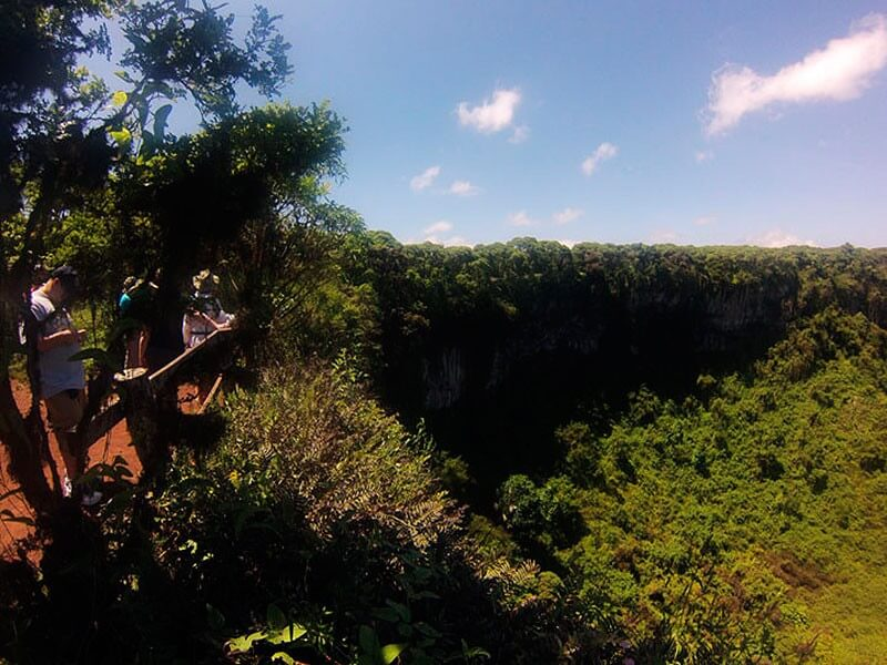 5 Days Galapagos Travel Land Tour - Isabela & Santa Cruz + 1 Navigable Island