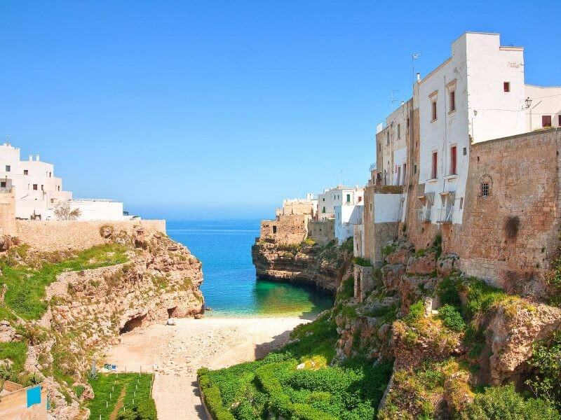 APULIA IN TOUR: CULTURE AND FOOD