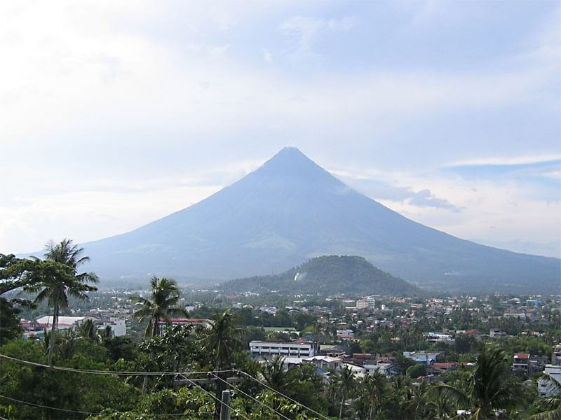 14 Days Natural Philippines: Volcano, Whale Sharks, Tarsiers, & Turtles