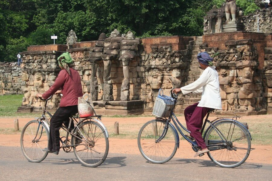 "8 DAYS TOUR ""SOUTH VIETNAM & ANGKOR"""