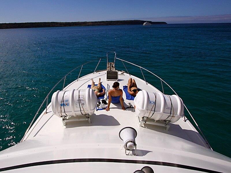 4 Days Galapagos Navigable Experience - Santa Cruz + 2 Inhabited Island
