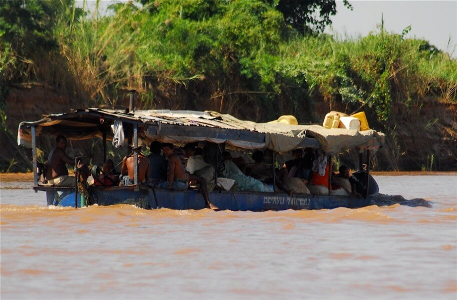 Tsiribihina River Tour