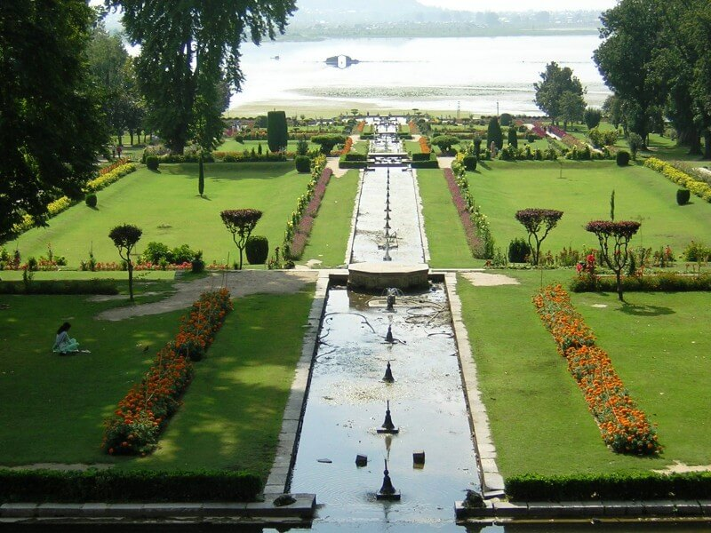 mughal garden sight seeing