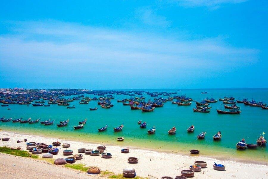 CONNECTING VIETNAM