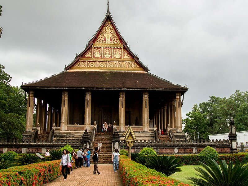6 DAYS LIVELY LAOS