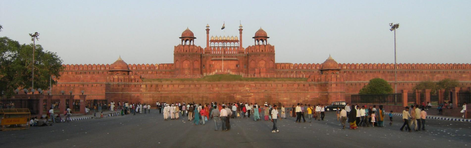 Arrive & Delhi Sightseeing