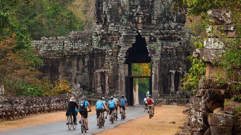 Angkor Thom & Ta Prohm [B-L]