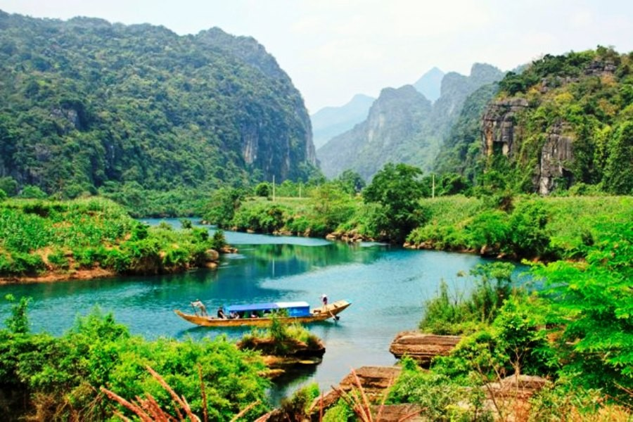 Magnificent World Heritage sites in Central Vietnam 6D