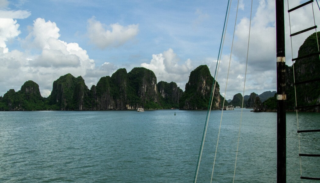 Ha Long Bay – Ha Noi