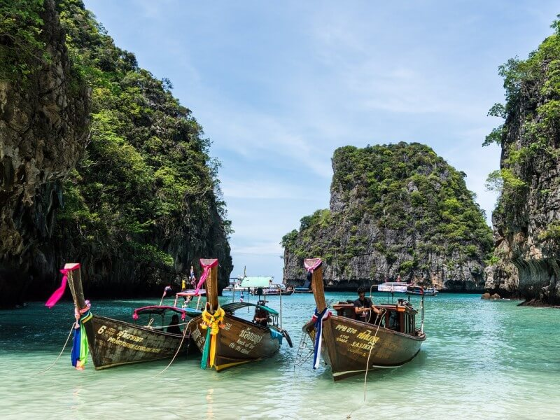 City of lights and dreams:  Exclusive Thailand Roundtrip