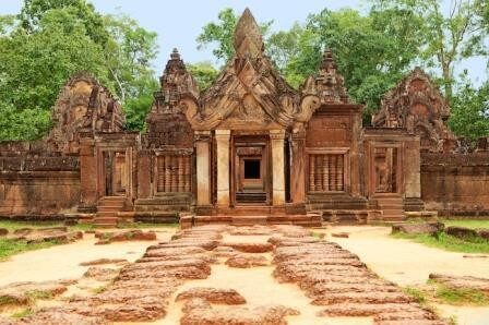 Exploring the Ancient Angkor and Holy Mountain - 6 days