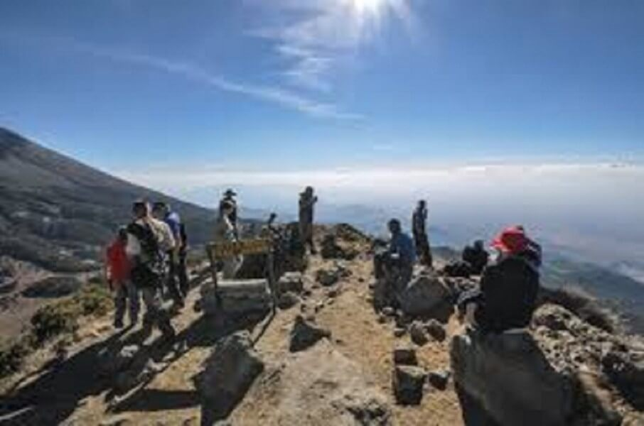 Mount Meru Climb and Wildlife Safari