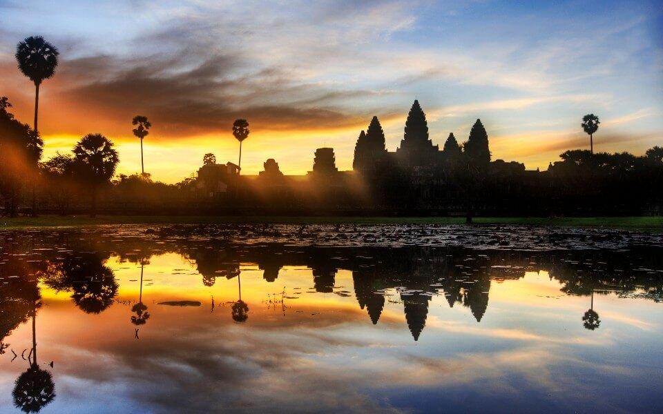 PHNOM PENH-SIEM REAP/ANGKOR