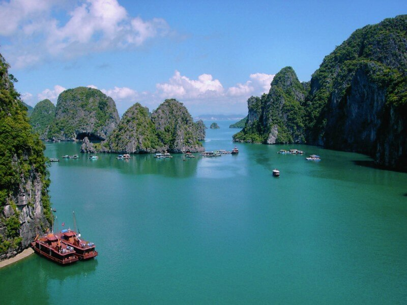 Hanoi - Ninh Binh - Halong 4 days Package