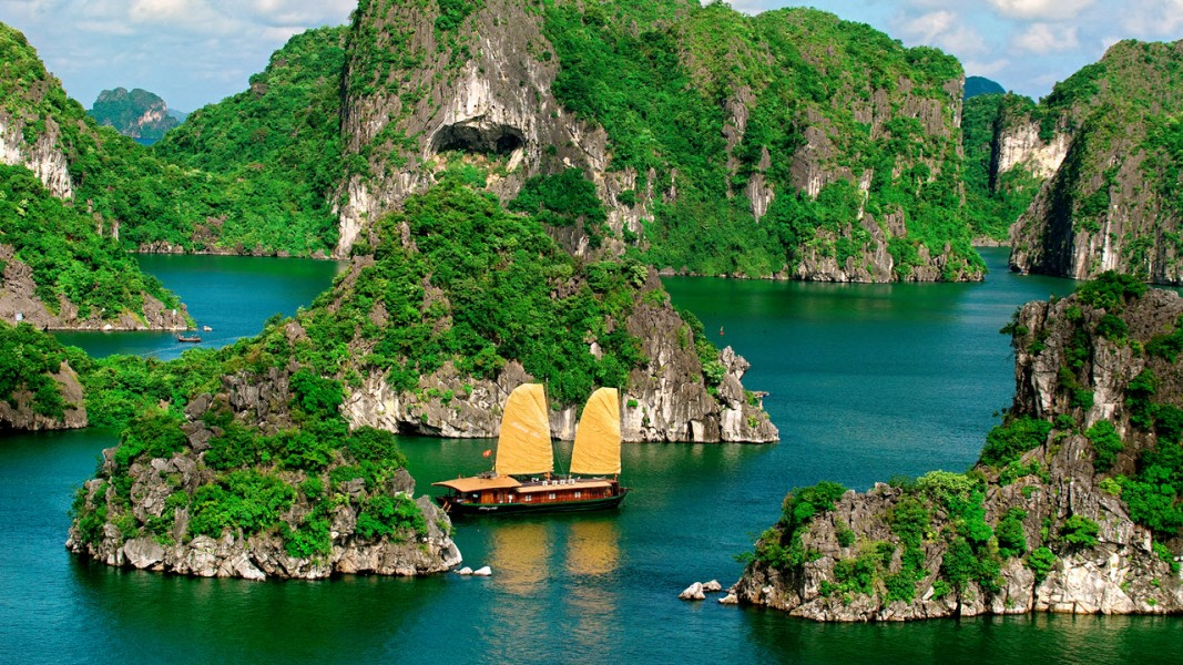 Hanoi - Halong - Ninh Binh 5D4N Package