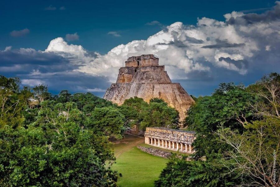 THE NATURAL & ARCHEOLOGICAL WONDERS OF CHIAPAS AND YUCATAN