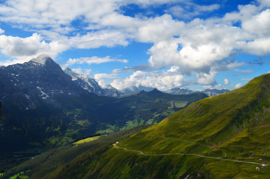 Hikinkg day in Grindelwald area