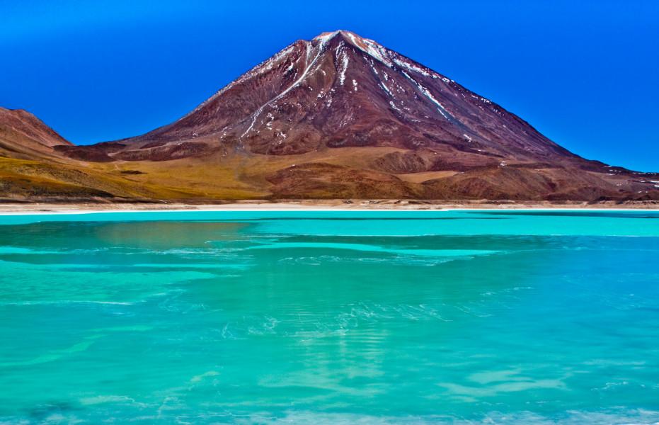 5 Day Trip - Salar Uyuni - Lipez - Volcano Uturuncu