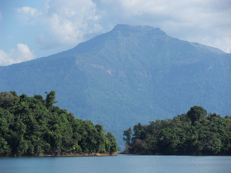 Nam Ngum Lake - Walking and Exploring
