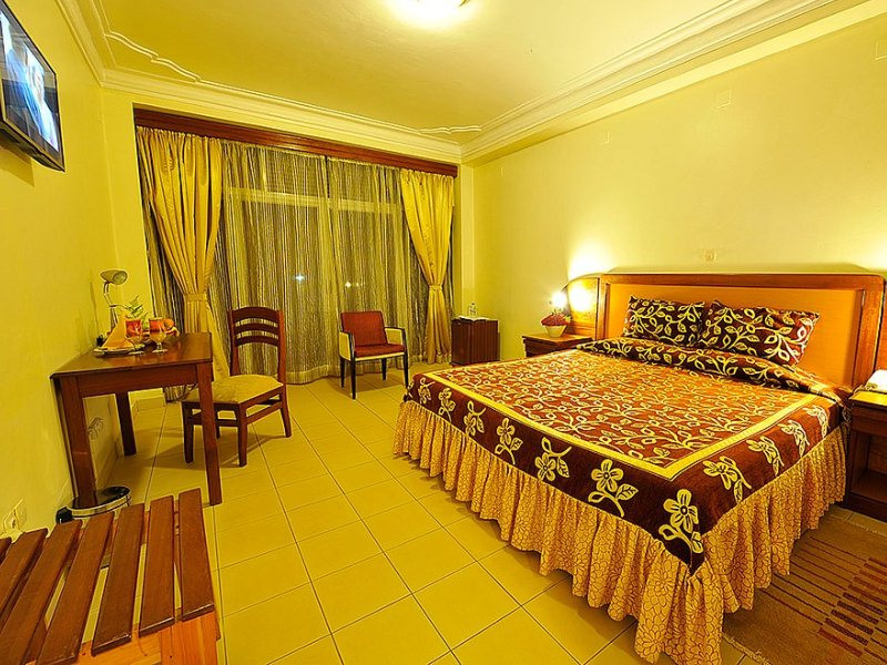 6 DAY RWANDA GORILLAS TOUR