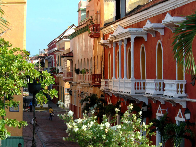 Luxury - Colonial Colombia and Seaside