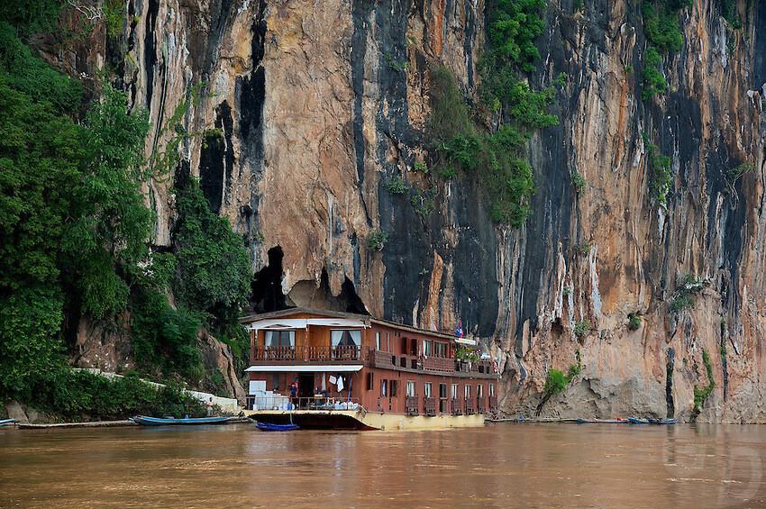 Luang Prabang – City Tour – Pak Ou cave