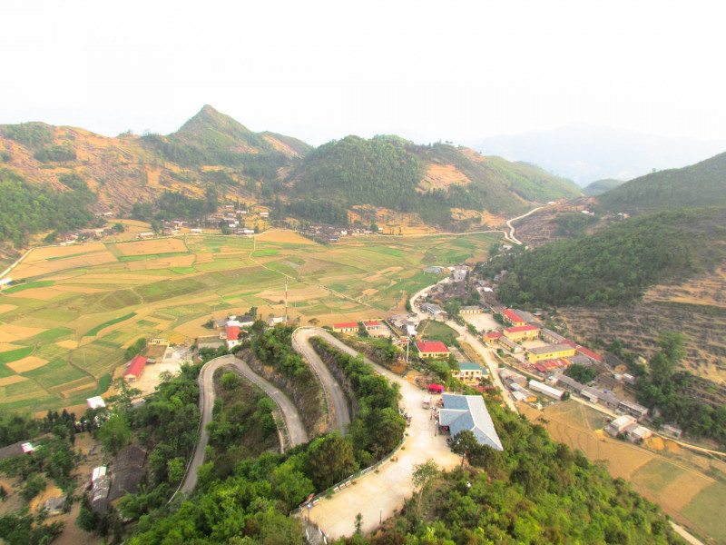 10 DAYS  HIDDEN TRAILS OR NORTH VIETNAM