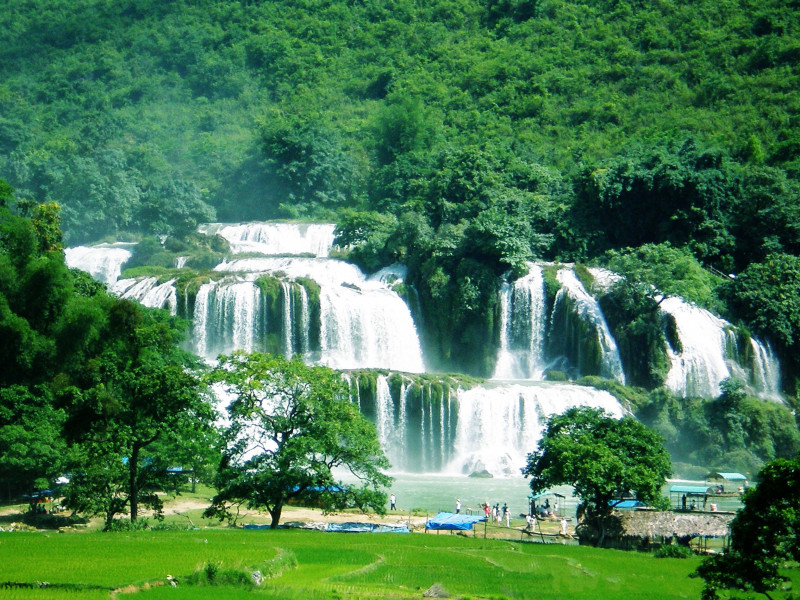 CAO BANG-BAN GIOC WATERFALL (B, L, D)