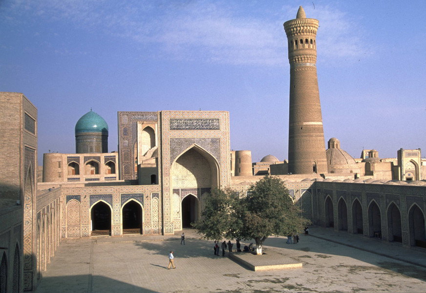 Samarkand to Bukhara by the Silk Road