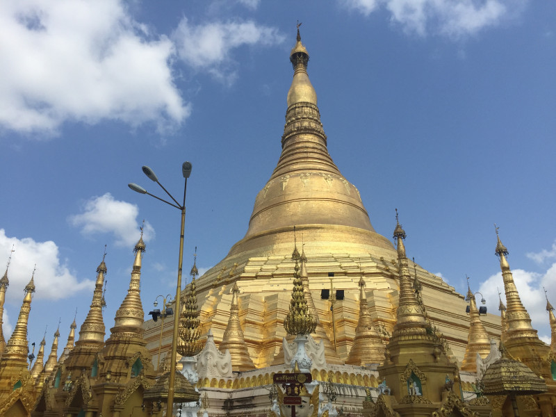 A BRIEF TASTE OF EVERYTHING IN MYANMAR BY BUS (6 DAYS)
