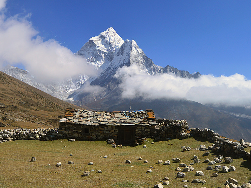 22 Days Island Peak Climbing with Everest 3 High Passes Trek