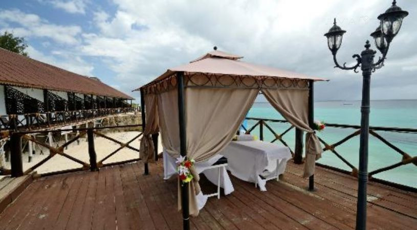 HONEYMOON  SAFARIS & ZANZIBAR ISLAND