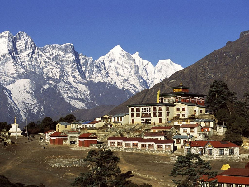 18 Days Everest Base Camp with 3 High Passes Trek
