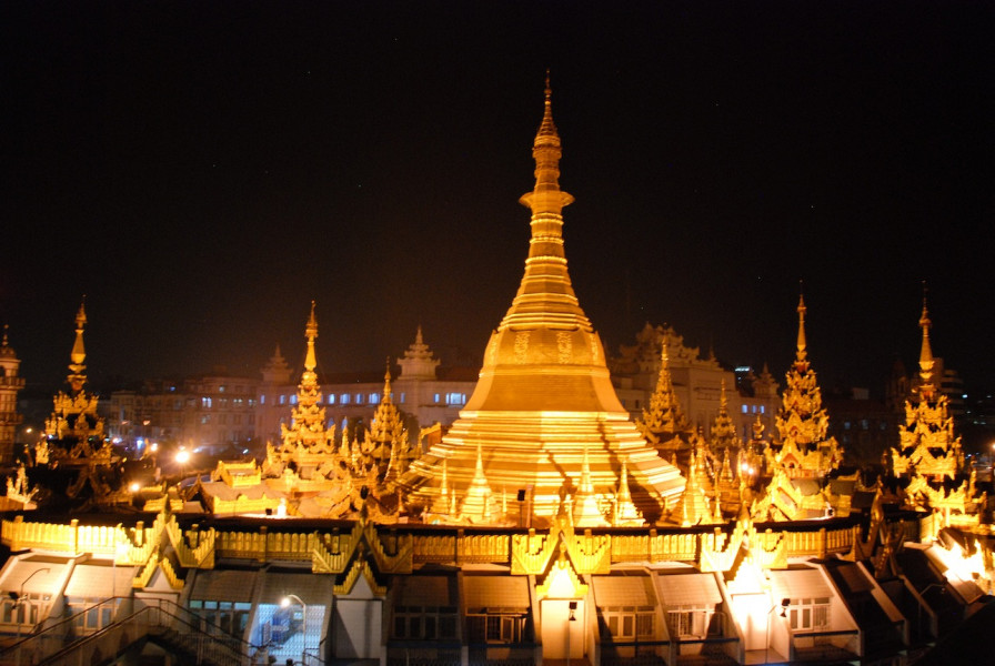 Arrive in Yangon – City visit