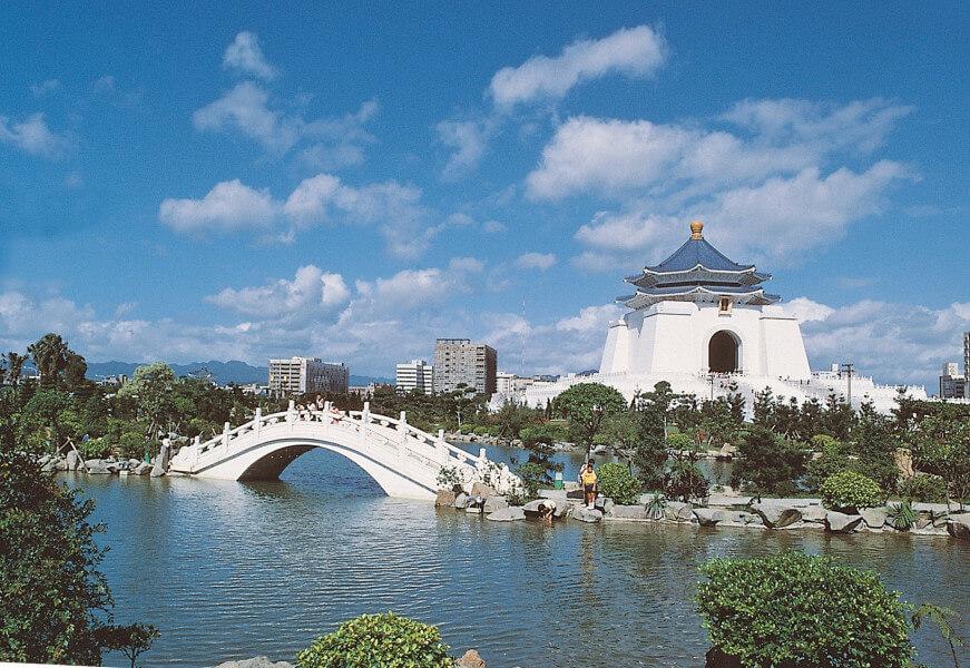6-Day Trip to Taipei / Yehliu / Sun Moon Lake / Alishan / Chiayi